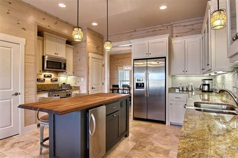 Kitchens With Shiplap Walls by Shiplap Siding Backsplash Adds That Quot Beachy Quot Feel To This