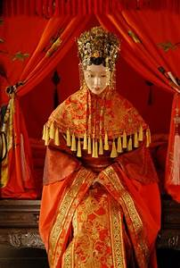 Fabulous Chinese Traditional Wedding Dresses - Pretty Designs
