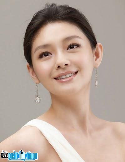 Daily updates with fresh content about tushy on faponhd.com. Diễn viên Từ Hy Viên