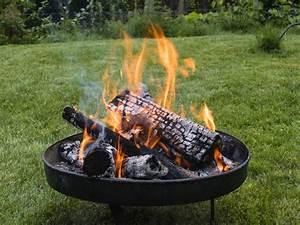Feuerstelle Im Garten : feuerstelle im garten die optionen und ihre einschr nkungen ~ Indierocktalk.com Haus und Dekorationen