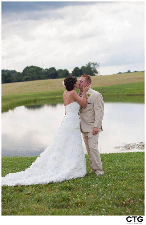 white barn wedding pittsburgh wedding photographers the white barn prospect