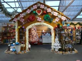 Christmas Ornament Display Stand by 7 Inspiring Christmas Craft Fair Booths Creative Income