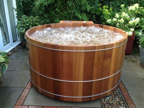 Hot Tub : Robert's Hot Tubs