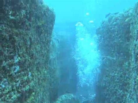 diving yonaguni underwater ruins youtube