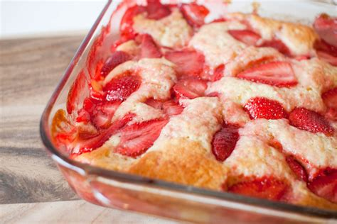 strawberry buttermilk pudding cake with mascarpone fresh