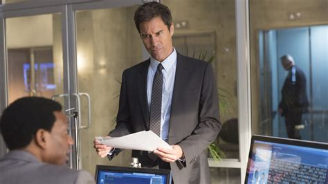 eric mccormack sci fi series travelers renewed