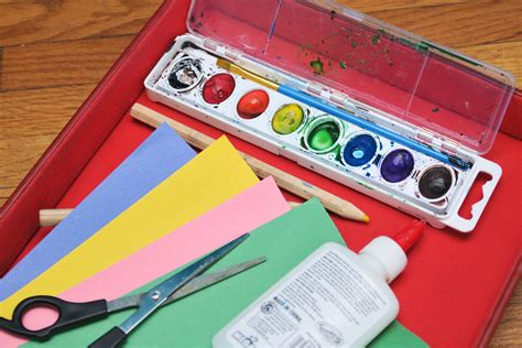 easy crafts   year olds  pictures ehow