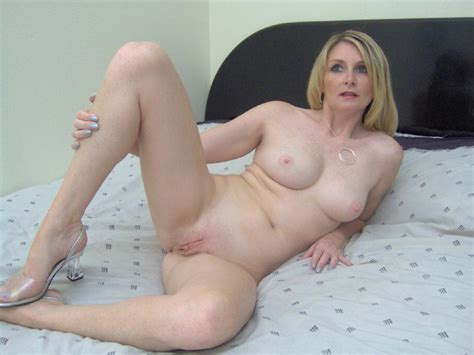 Sexy Housewife Ashley Stripping Naked In Bed And Spreading Her Succulent Looking Pink Pussy