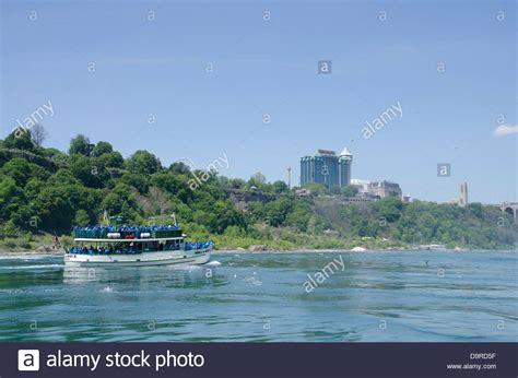Niagara Falls Boat Tours Usa by Niagara Falls Of The Mist Stock Photos Niagara