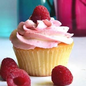 Cupcakes Mit Füllung : himbeer vanille cupcake pinterest kuchen muffin cupcake and mousse ~ Eleganceandgraceweddings.com Haus und Dekorationen