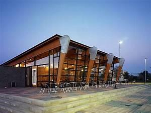 Nice TVN Tennis Park Clubhouse by AG Nova Architects