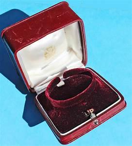 Ecrin Pour Montre : rare vintage ecrin boite en cuir de montre lip horlogerie bijouterie etui boitier chrono shop ~ Teatrodelosmanantiales.com Idées de Décoration