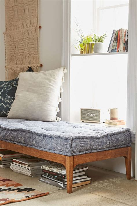 daybed settee can you replace a sofa with a daybed decorating lonny