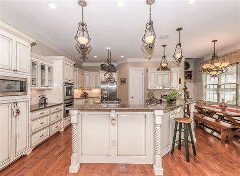 vintage kitchen flooring 25 antique white kitchen cabinets for awesome interior 3217