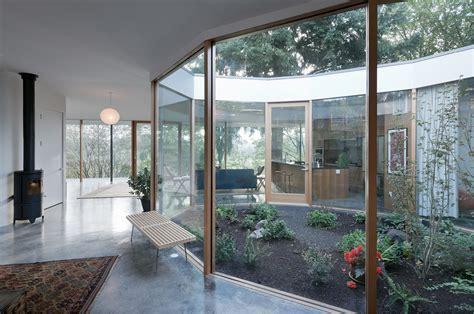 interior courtyard modern garden design