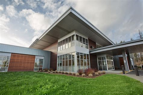 summit pacific welcomes   family medicine