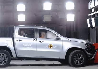 Mercedes Crash Class Sa Tests Bakkie Safe