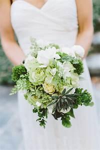 southern-wedding-green-bouquet