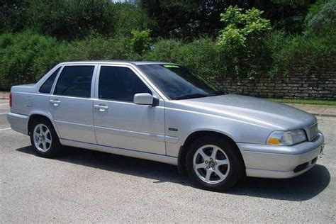 volvo  glt white wagon picture station wagon