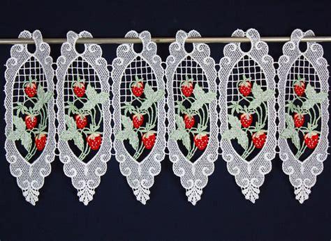 rideau macramé cuisine rideau pour la cuisine avec fraises