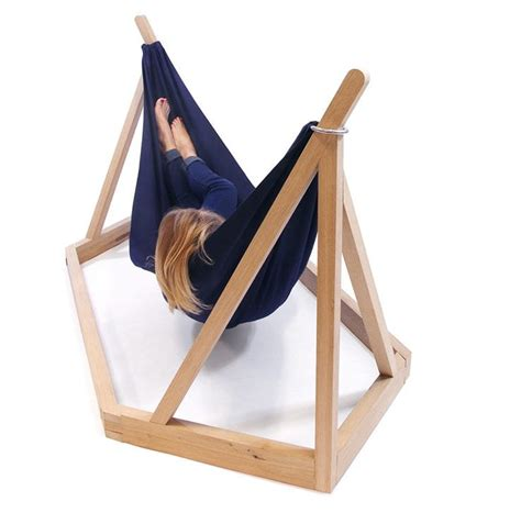 Designer Hammocks by Dissidence A Modern Hammock With Its Own Stand Ippinka