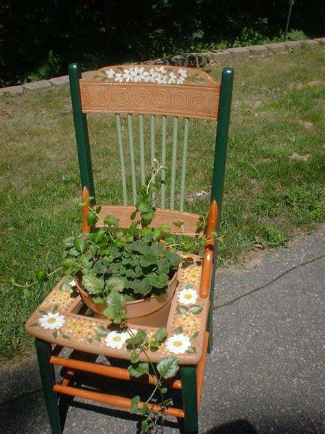 trash to treasure ideas trash to treasure outdoor trash to treasure crafts and decorations forum gardenweb decor
