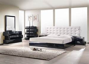 Contemporary style bedroom set with white leatherette for Contemporary bedroom set