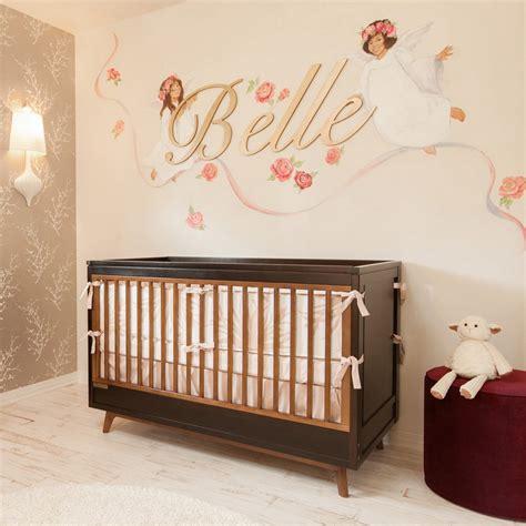 décoration murale chambre bébé chambre bébé fille 50 idées de déco et aménagement