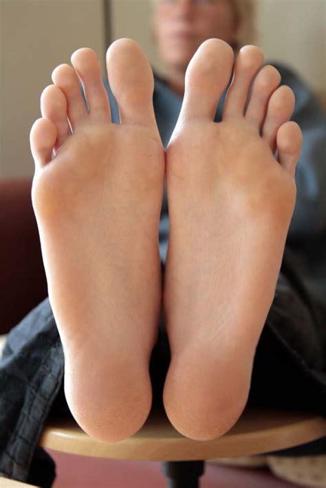 feet  legs    psychology today