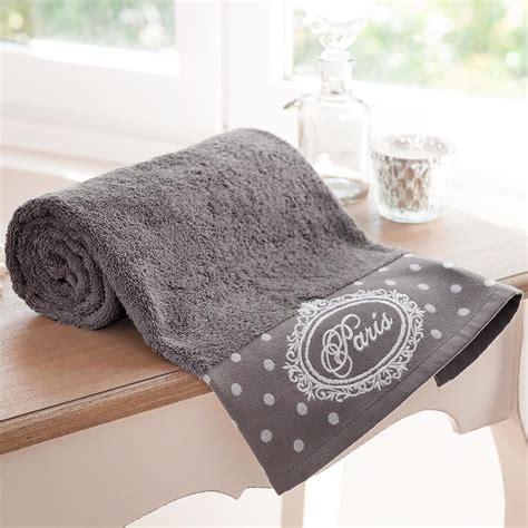 serviette de toilette en coton grise 30 x 50 cm maisons du monde