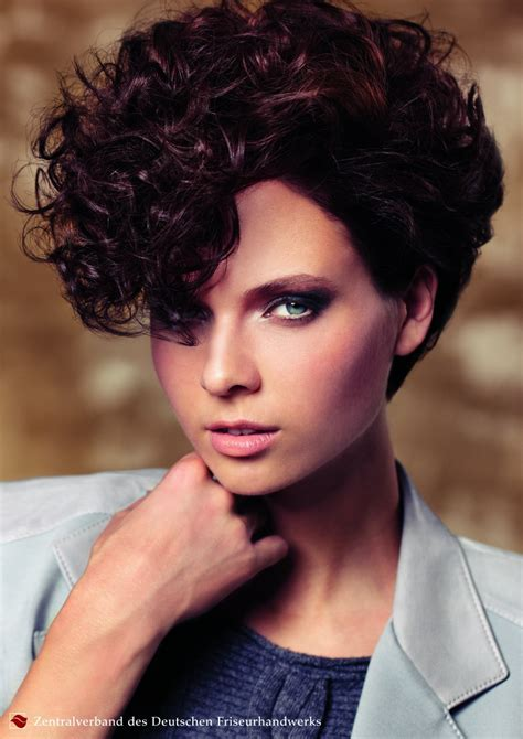 short hairstyle  curls inspired