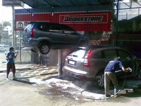 bandung daily photo car wash  bandung