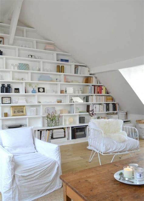 rangement chambre mansard馥 1001 idées comment aménager une chambre mini espaces