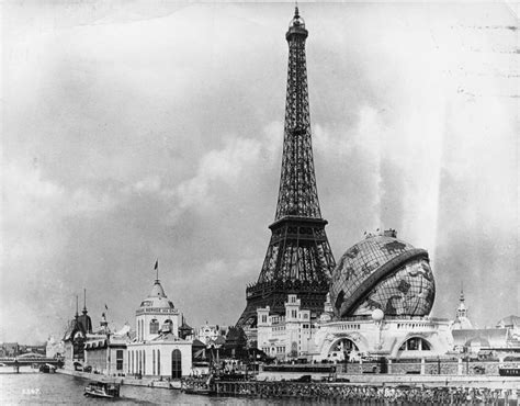 Black And White Vintage Photos Of Eiffel Tower