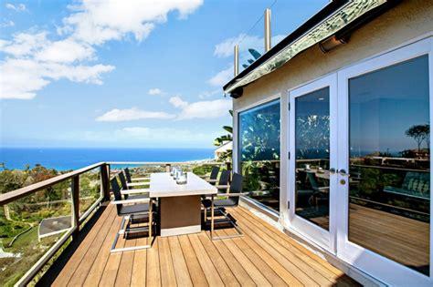 grande cuisine design maison avec vue splendide sur l océan en californie