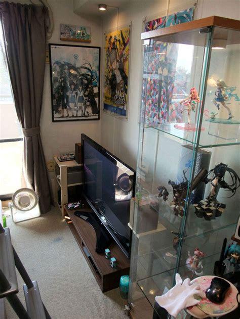crunchyroll otaku rooms  good  bad   cluttered