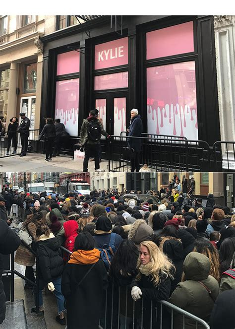 Kylie Jenner Shop Kylie Jenner S Nyc Pop Up Shop See Fans Mob Her Nyc