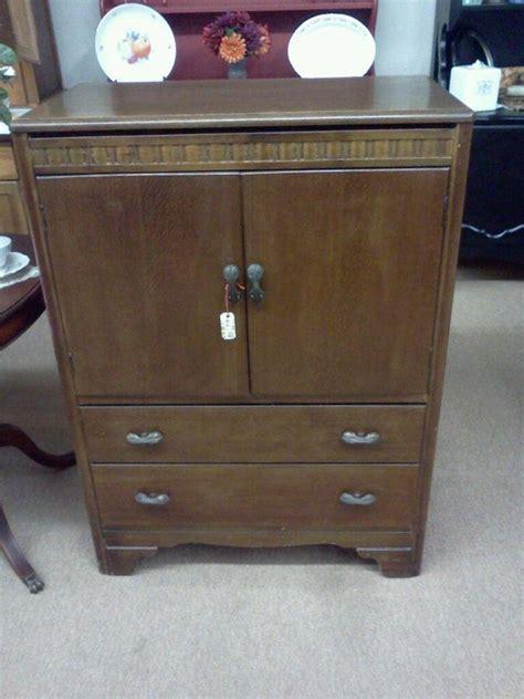 hl lebus dresser   drawers   bottem    doo  antique
