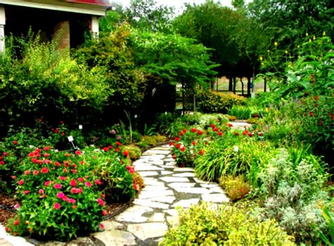 beautiful garden landscapes home landscaping design interior beautiful yard homelk com