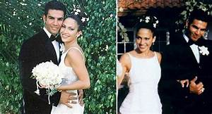Jennifer lopez wedding extravaganza for Jlo wedding dress