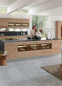 Küchen Modern Mit Kochinsel : schlichte holz k che mit kochinsel in modernem design k che mit insel k che holz und holzk che ~ Sanjose-hotels-ca.com Haus und Dekorationen