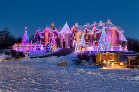 top  christmas towns  illinois