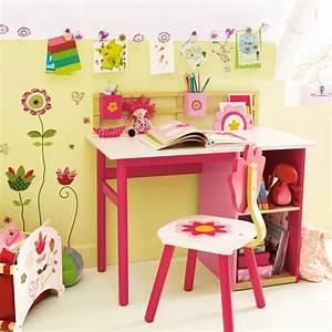 Bureau Enfant Fille : chambre d 39 enfant 20 bureaux trop mimi pour petites filles bureau fleurs vertbaudet d co ~ Teatrodelosmanantiales.com Idées de Décoration
