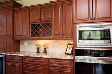 Kitchen Backsplash Ideas Cherry Cabinets by Cherry Kitchen Caninets And Backsplashes Ideas House