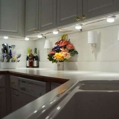 lights the kitchen cabinets best 25 cabinet lighting ideas on 9030