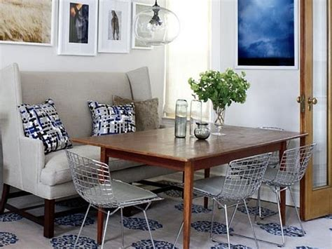 Dining Room Settee by 19 Lovely Ways A Settee Can Squeeze More Guests Around The