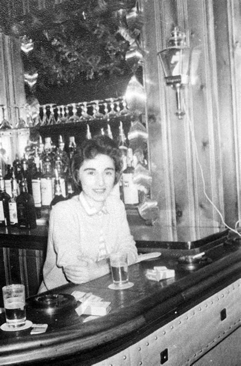 kitty genovese  stabbed  death  kew gardens