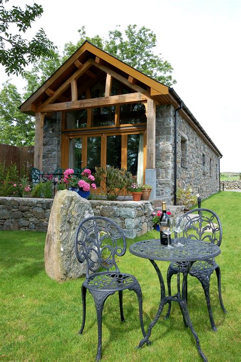 self catering cottage top 5 cosy cottages for autumn retreats