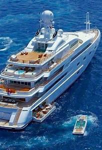Yacht De Luxe Interieur : pingl par daud imbang sur yachts pinterest bateaux bateaux de luxe et barque ~ Dallasstarsshop.com Idées de Décoration