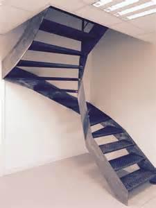 Vernis Pour Escalier Bois by Escalier Design Et Moderne Mixant M 233 Tal Bois Et Inox